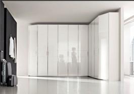 Hinged door closet